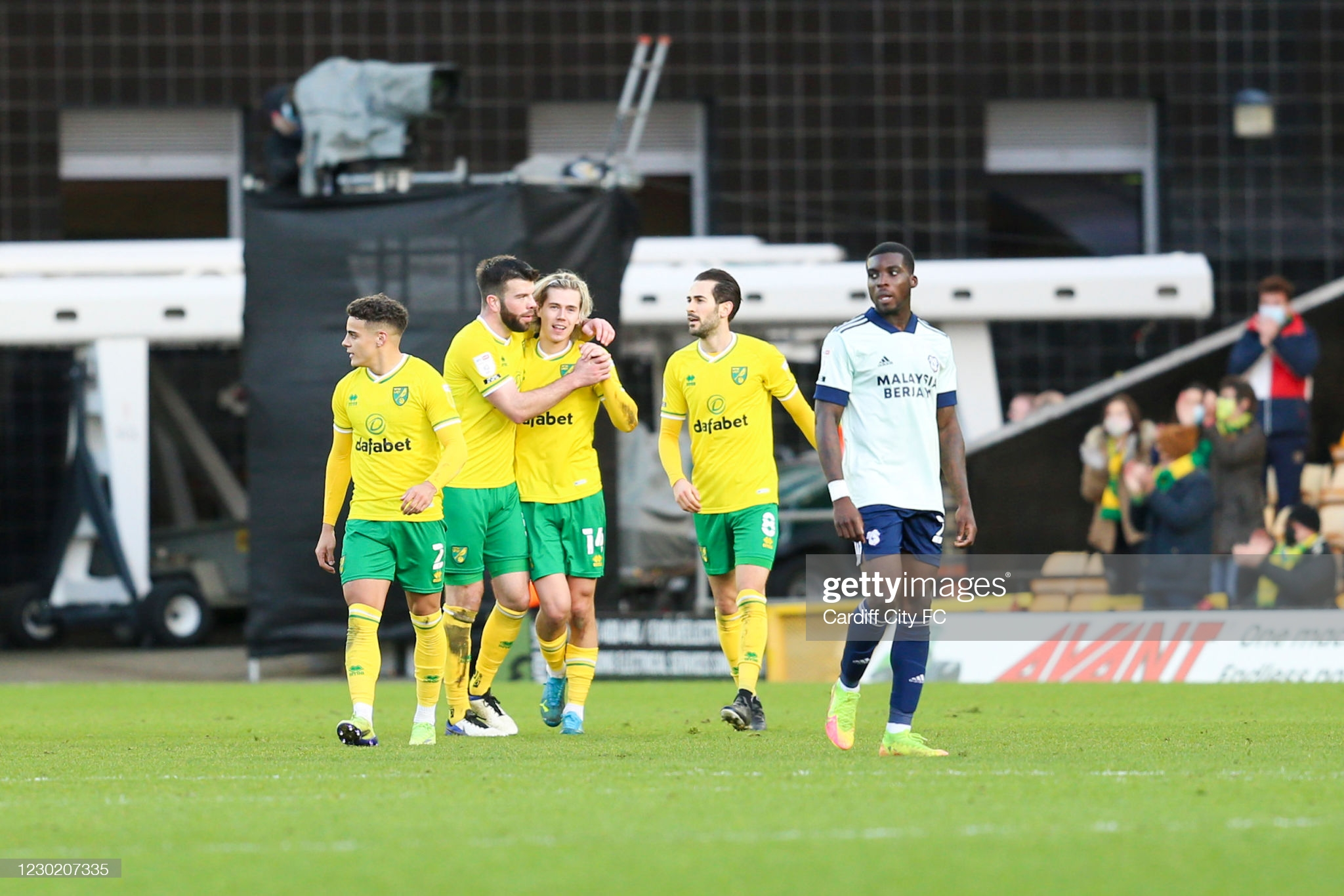 Neil Harris Admits Leggy Cardiff City Given Run Around By Classy Canaries Dai Sport